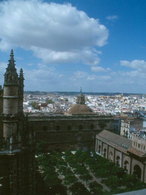 الاثار العربية الاسلامية في إسبانيا
